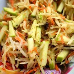 салат из моркови и редьки дайкон