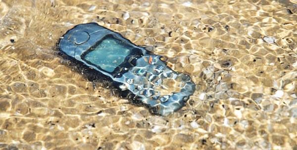 телефон утонул