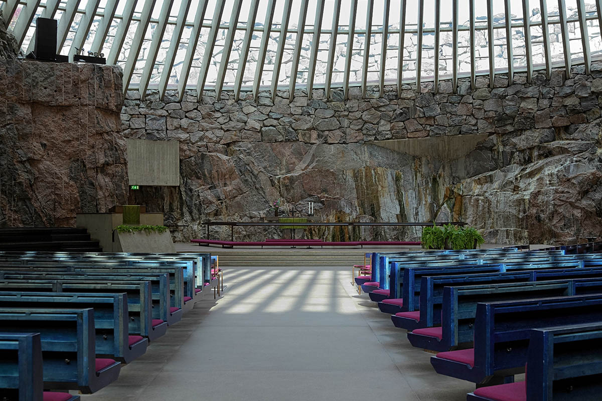 церковь Темппелиаукио в Хельсинки, Финляндия