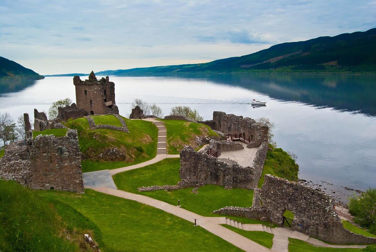 замок Уркхарт, Шотландия
