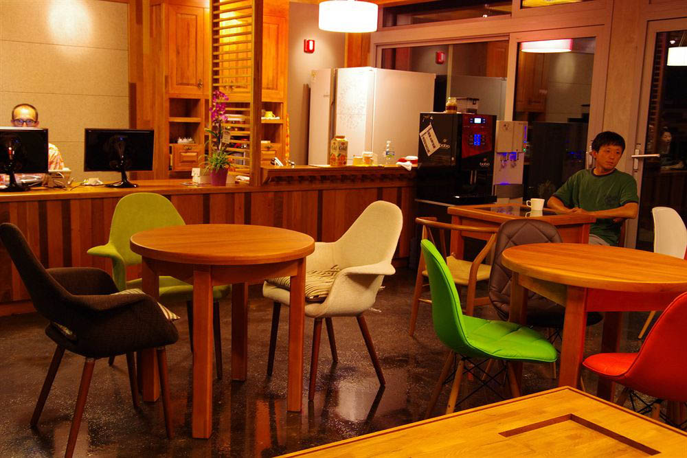 кафе в эко-гостинице Jejueco Suites