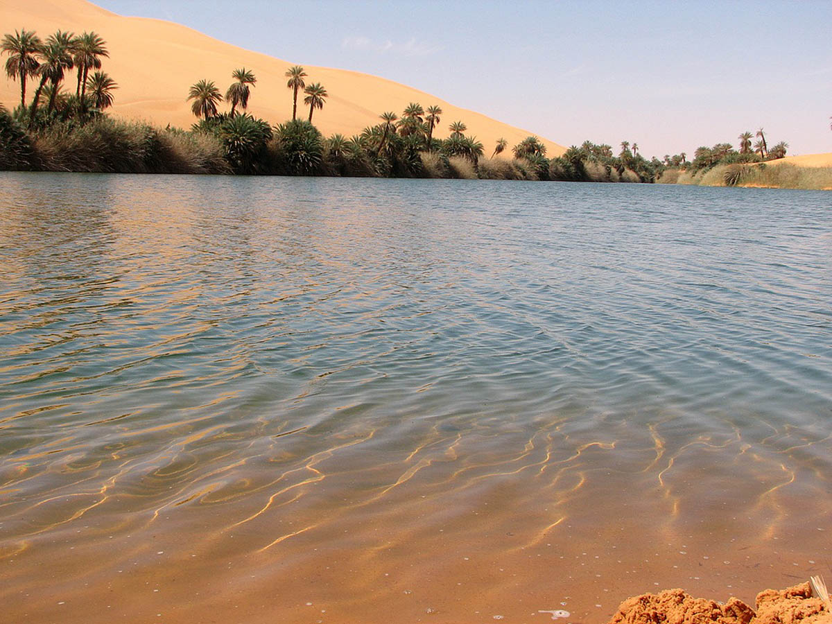 оазис Убари в пустыне Сахара, Ливия