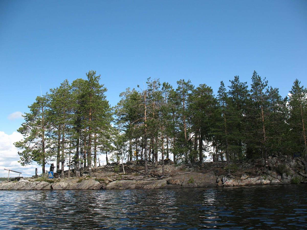 остров Добрых Духов в Карелии
