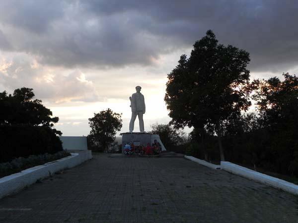 памятник Д.С. Калинину в Анапе