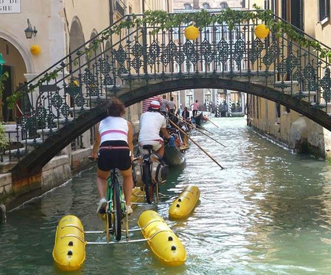 плавательный велосипед Shuttlebike
