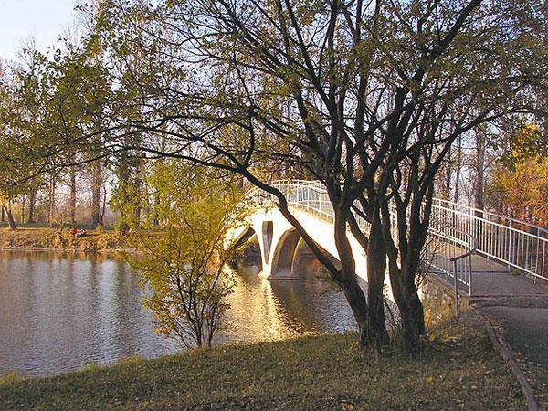 Мост Любви на Городском озере