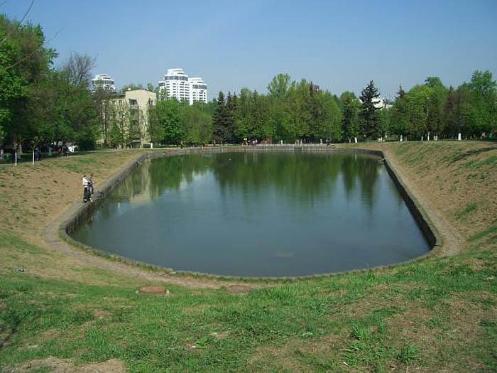 Перекопский (Медовый) пруд в Зюзино