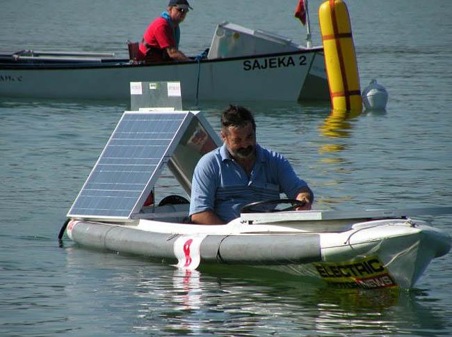 электролодка на солнечных батареях