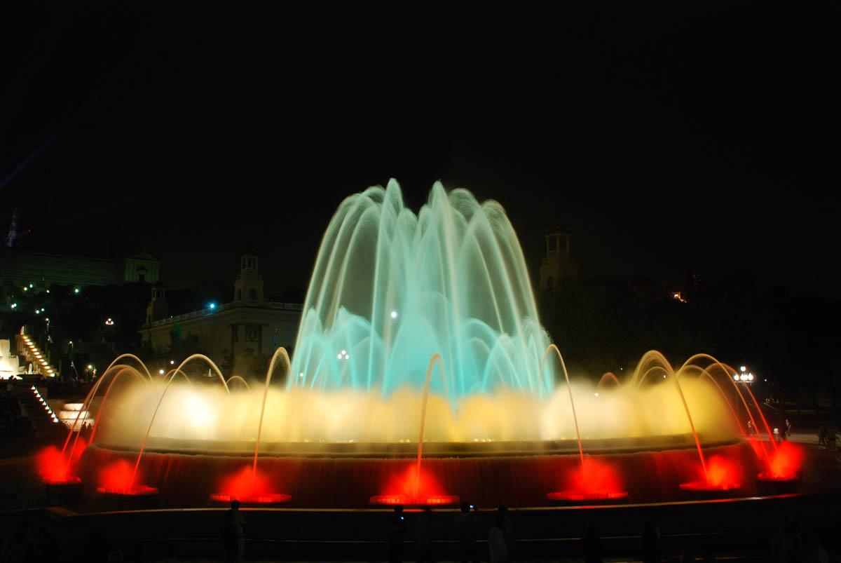 фонтан Монтжуика в Барселоне