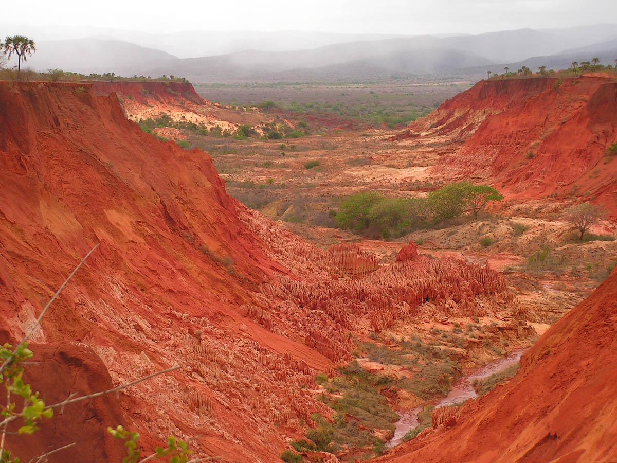 красные пейзажи Мадагаскара