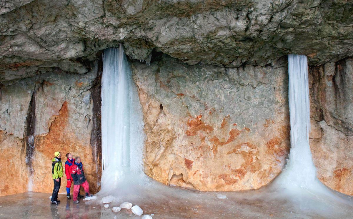 ледяная пещера Шелленберга в Германии