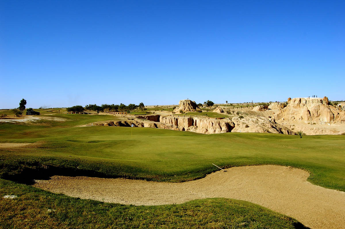 площадка для гольфа в Тозере