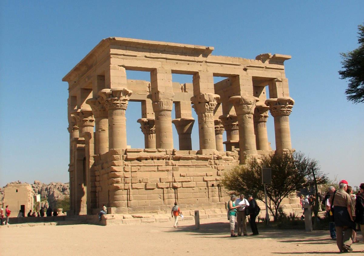 Павильон императора Трояна, остров Филе, Египет