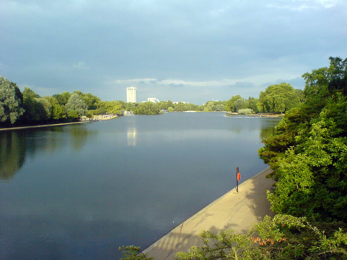 Serpentine Lake