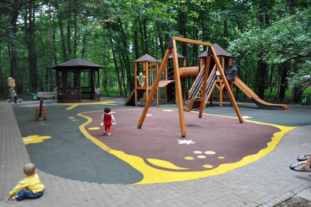 детская площадка в парке Фили, Москва