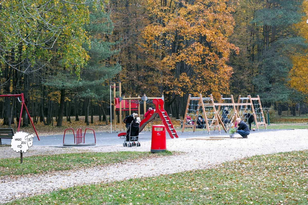 детская площадка в парке Вингис
