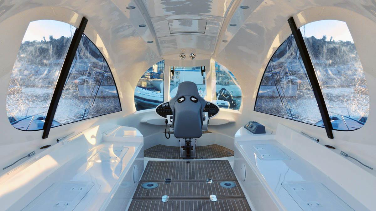 интерьер катера Jet Capsule