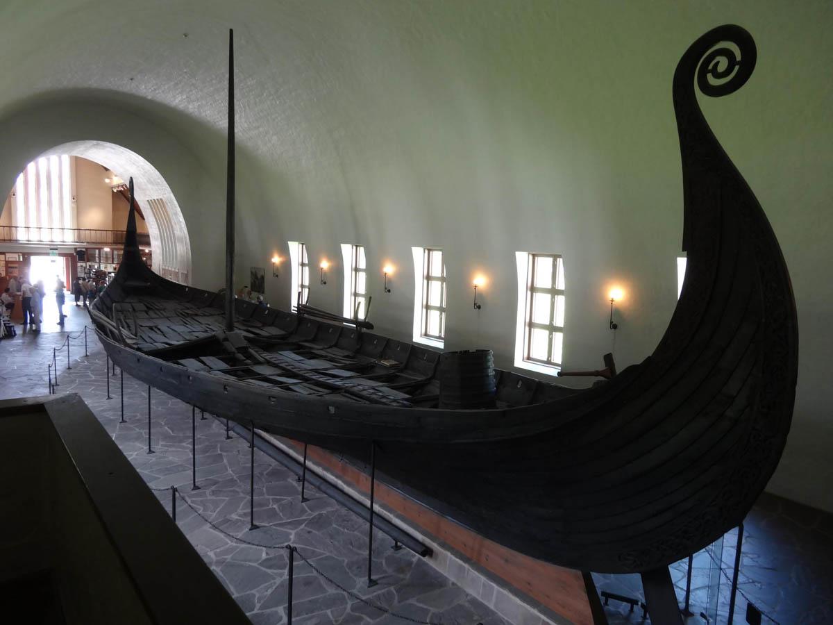 корабль викингов в музее Осло