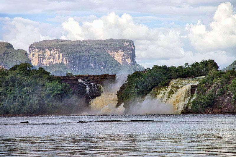 лагуна Канайма в Венесуэле