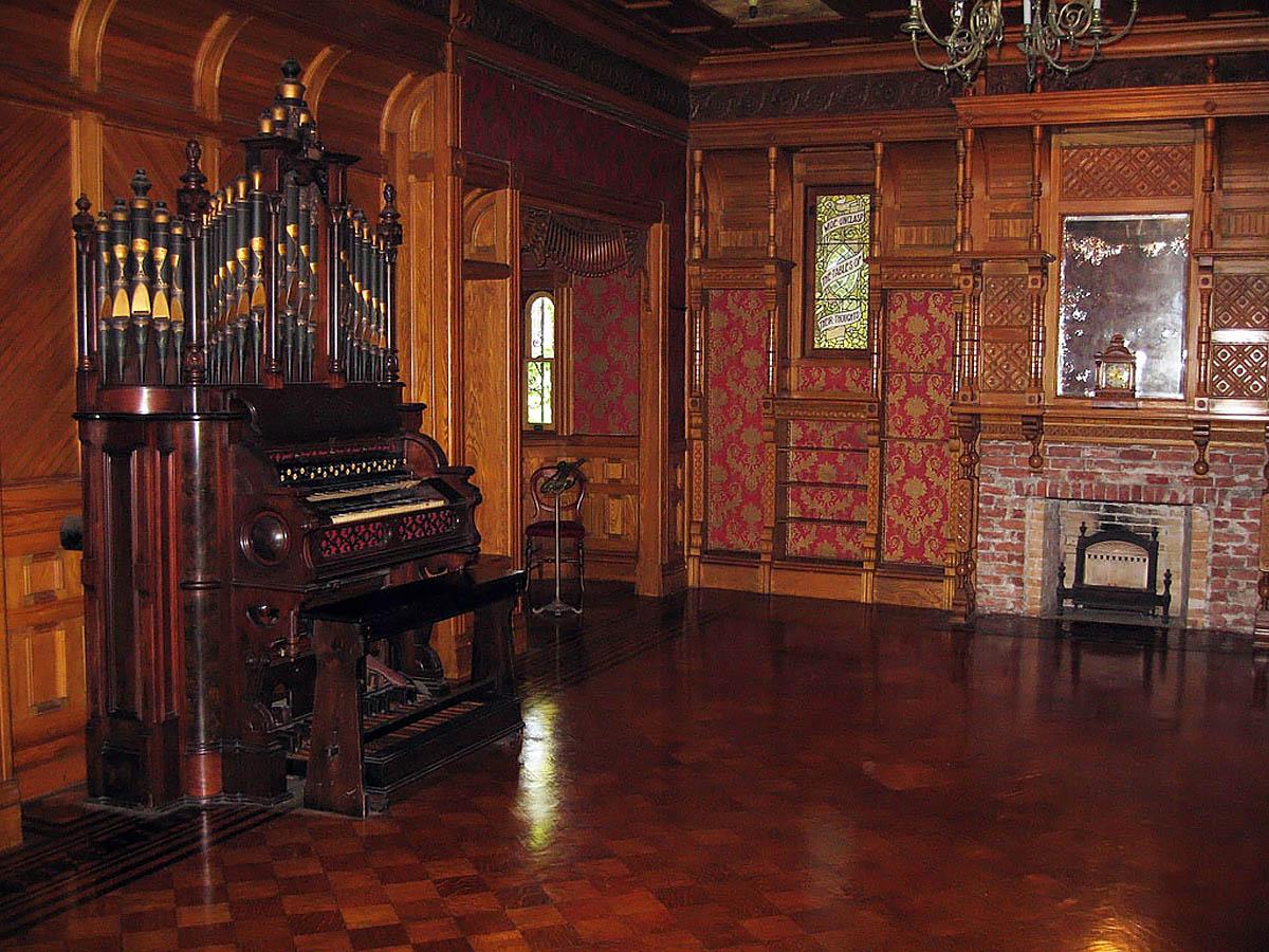 орган в Доме Винчестеров