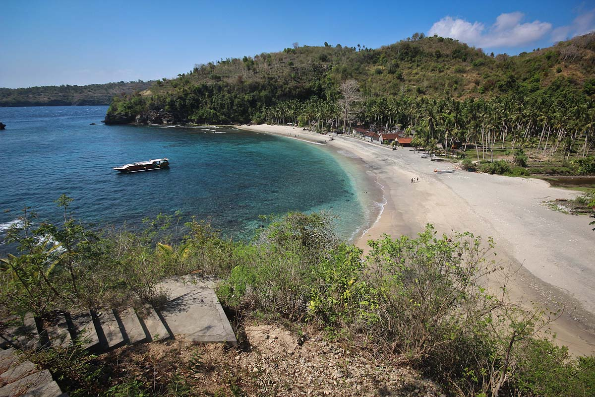 остров Нуса Пенида на Бали