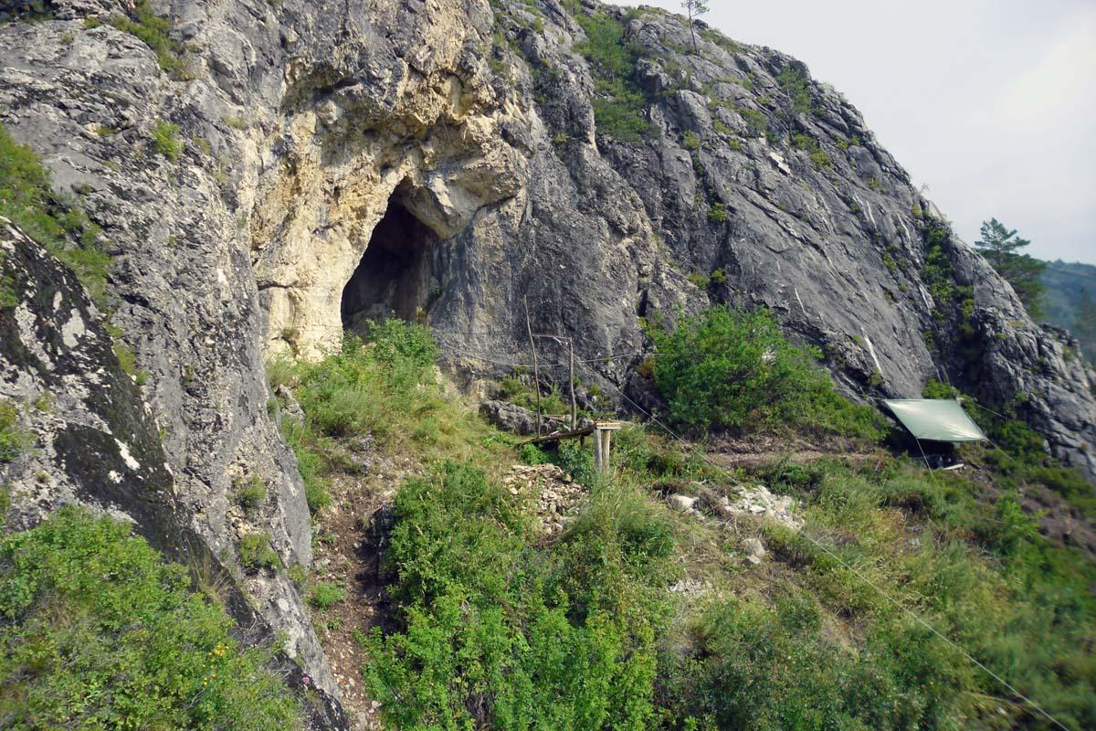пещера Страшная, Алтай