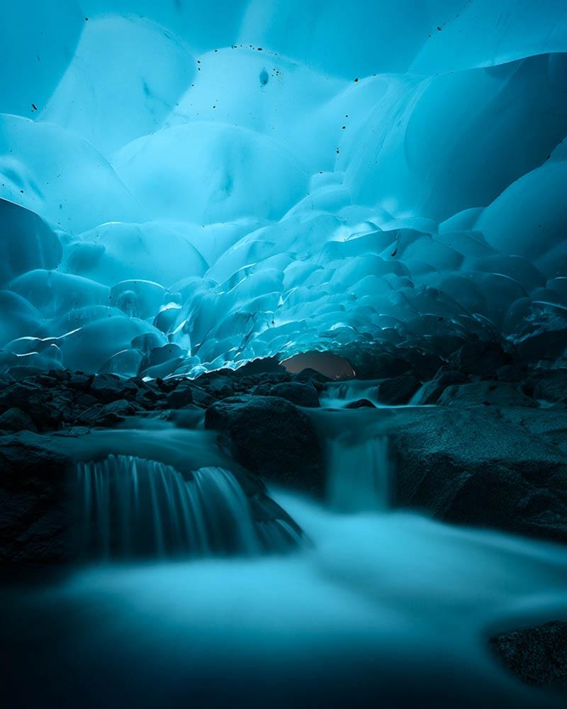 пещеры и водопады ледника Менденхолл