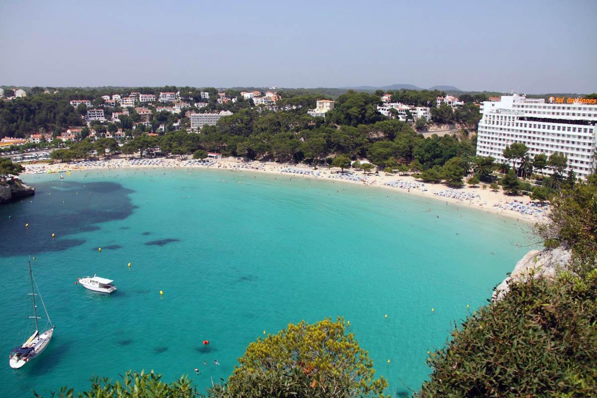 пляжи Менорки