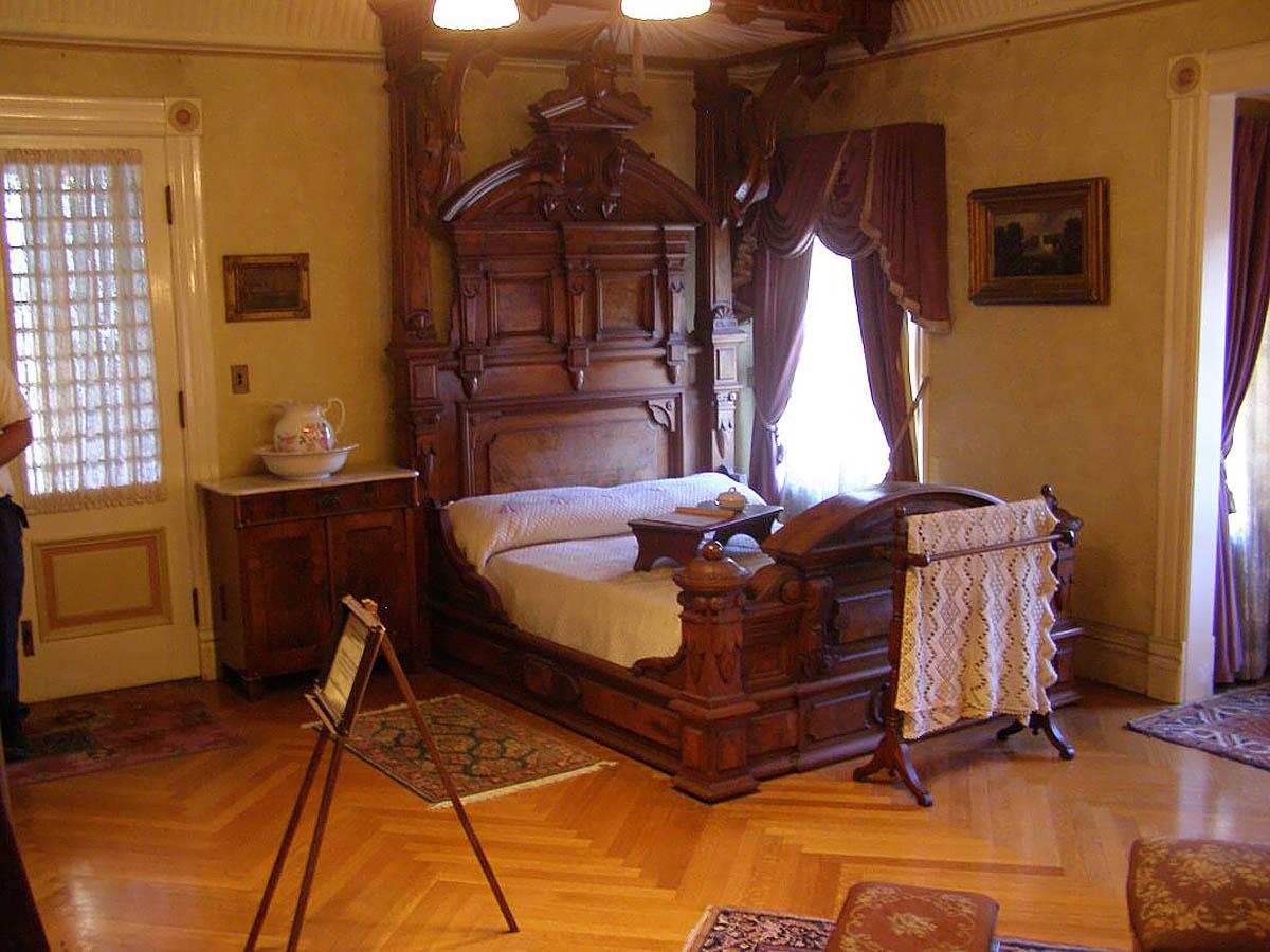 спальня Сары Винчестер