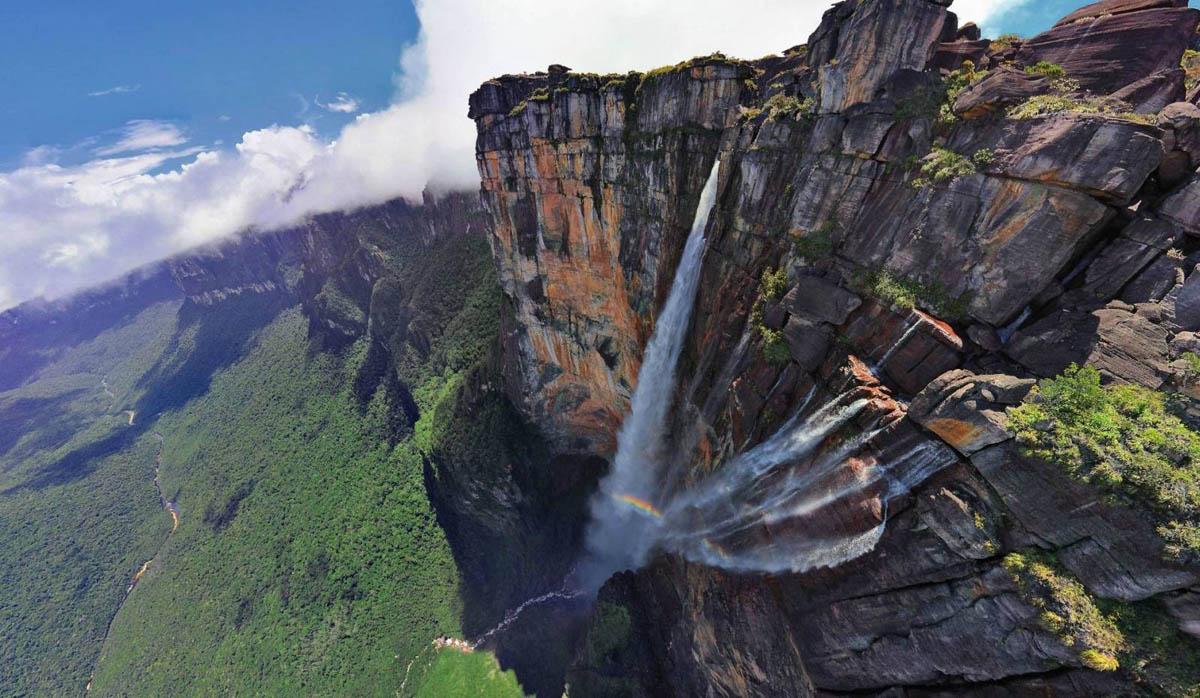 водопад Анхель на горе Рорайма