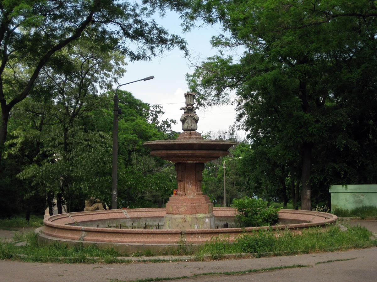 заброшенный фонтан в парке Шевченко, Одесса