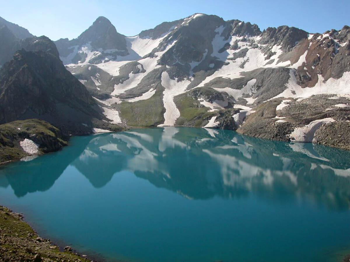 Голубое Уллу-Муруджинское озеро