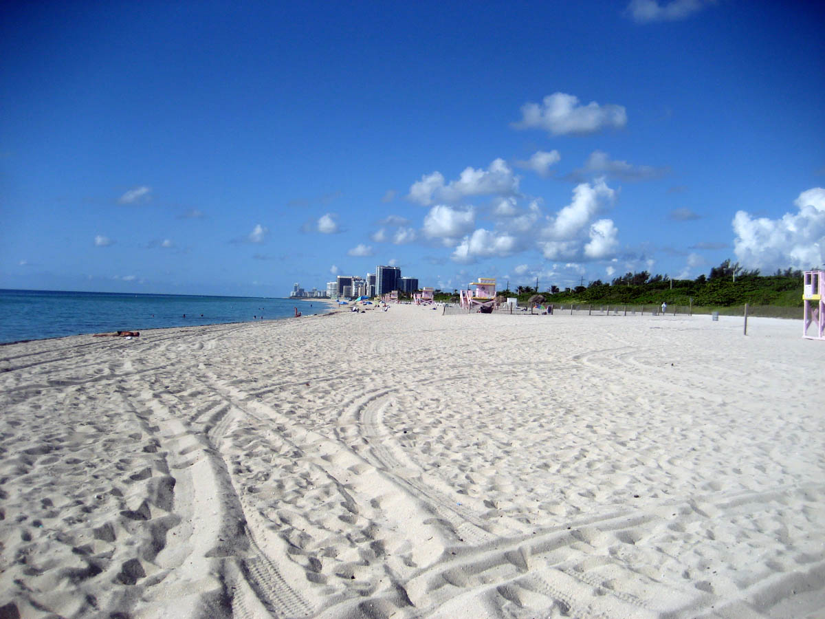 Haulover nude Beach, Miami