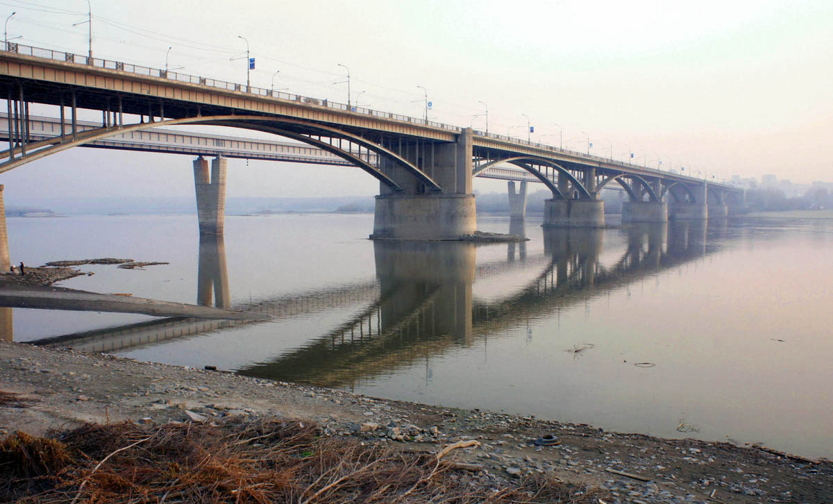Коммунальный мост в Новосибирске