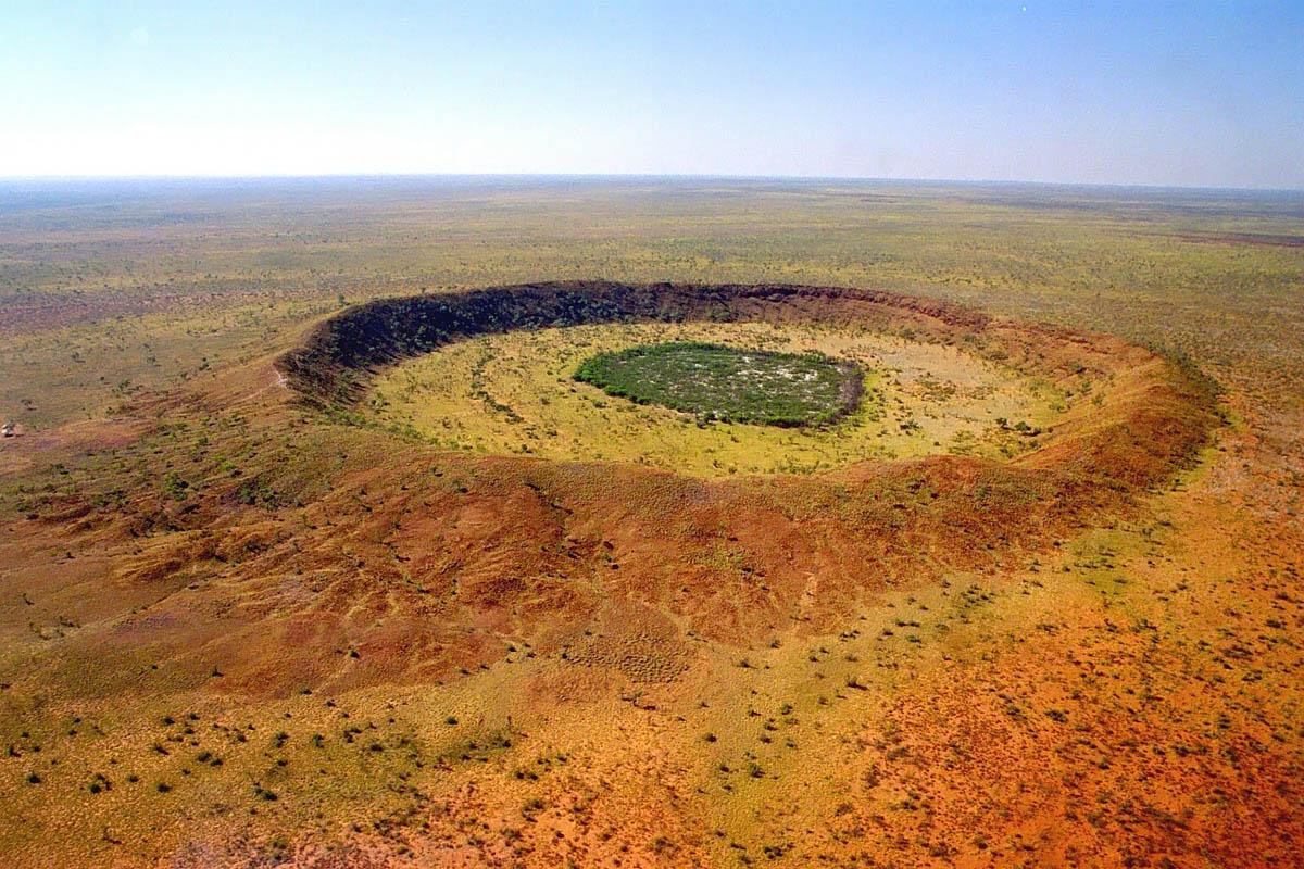 Кратер Вулф-Крик в Австралии: зеленый туризм и пикник в месте падения метеорита