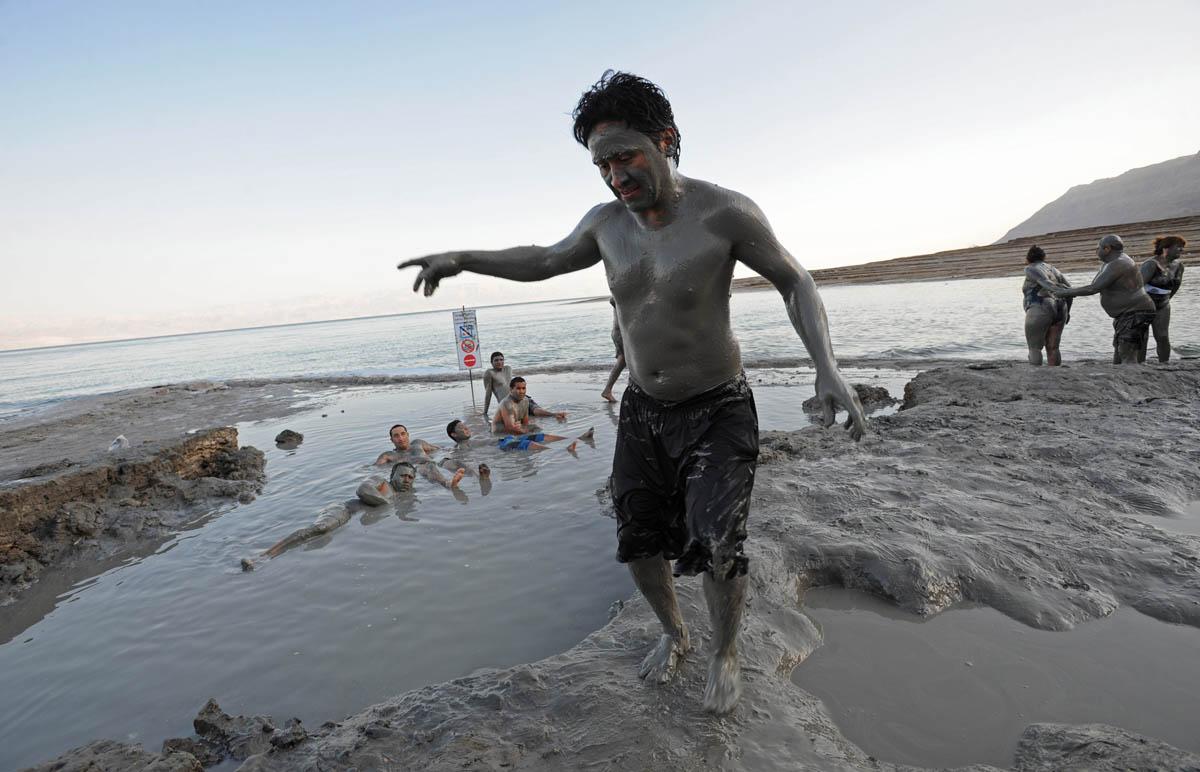грязевые источники на пляже Минерал