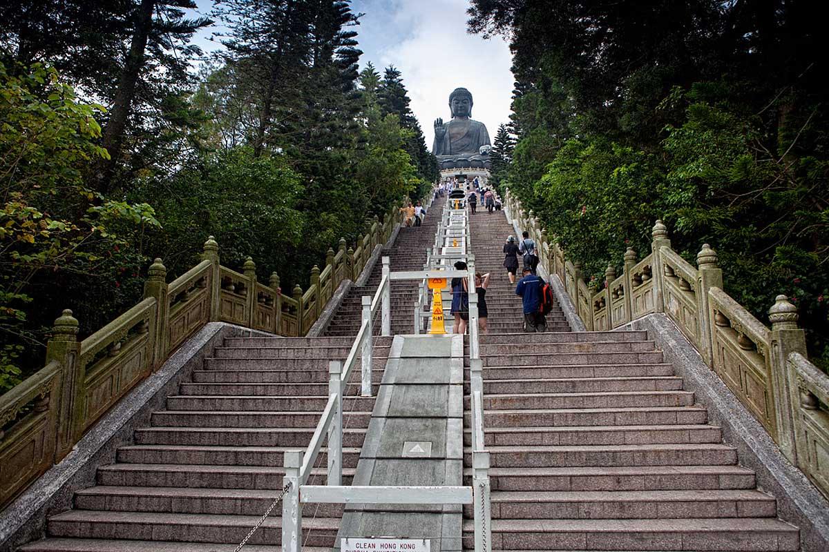 лестница к статуе Биг Будда, остров Лантау