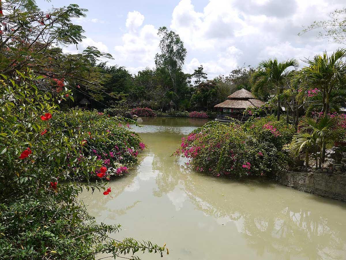 минеральные грязи Тхап Ба, Нячанг, Вьетнам