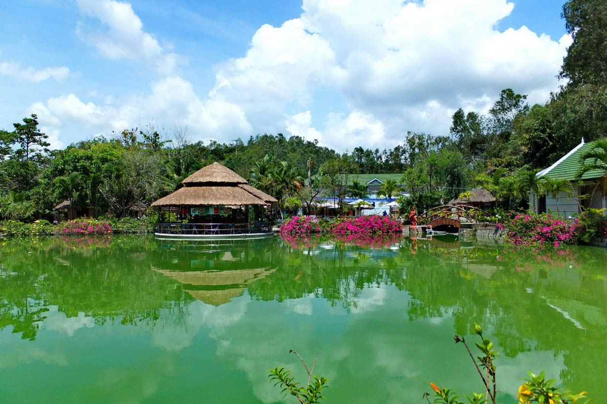 минеральные источники Тхап Ба, Нячанг, Вьетнам