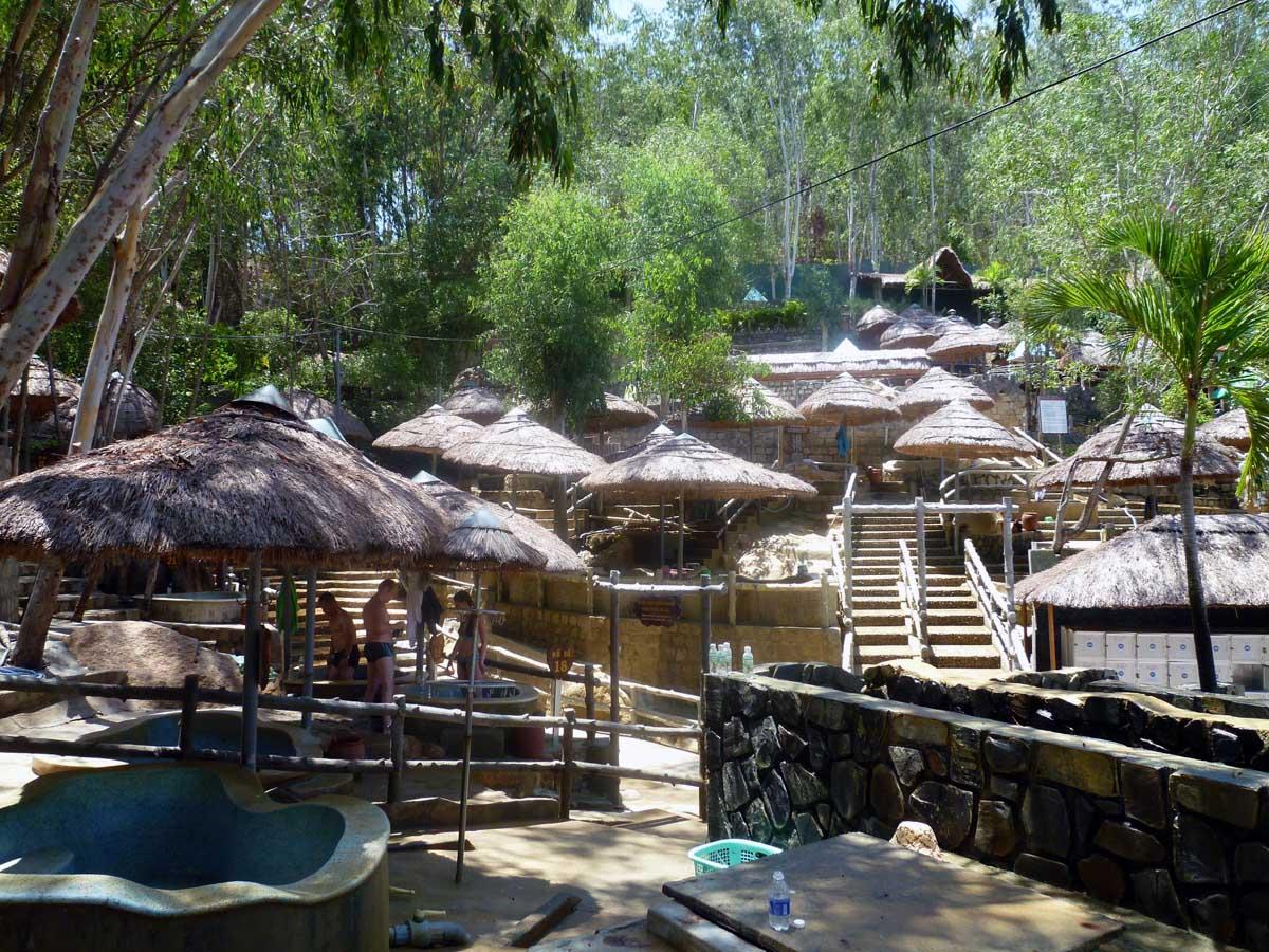 минеральные ванны Тхап Ба в Нячанге
