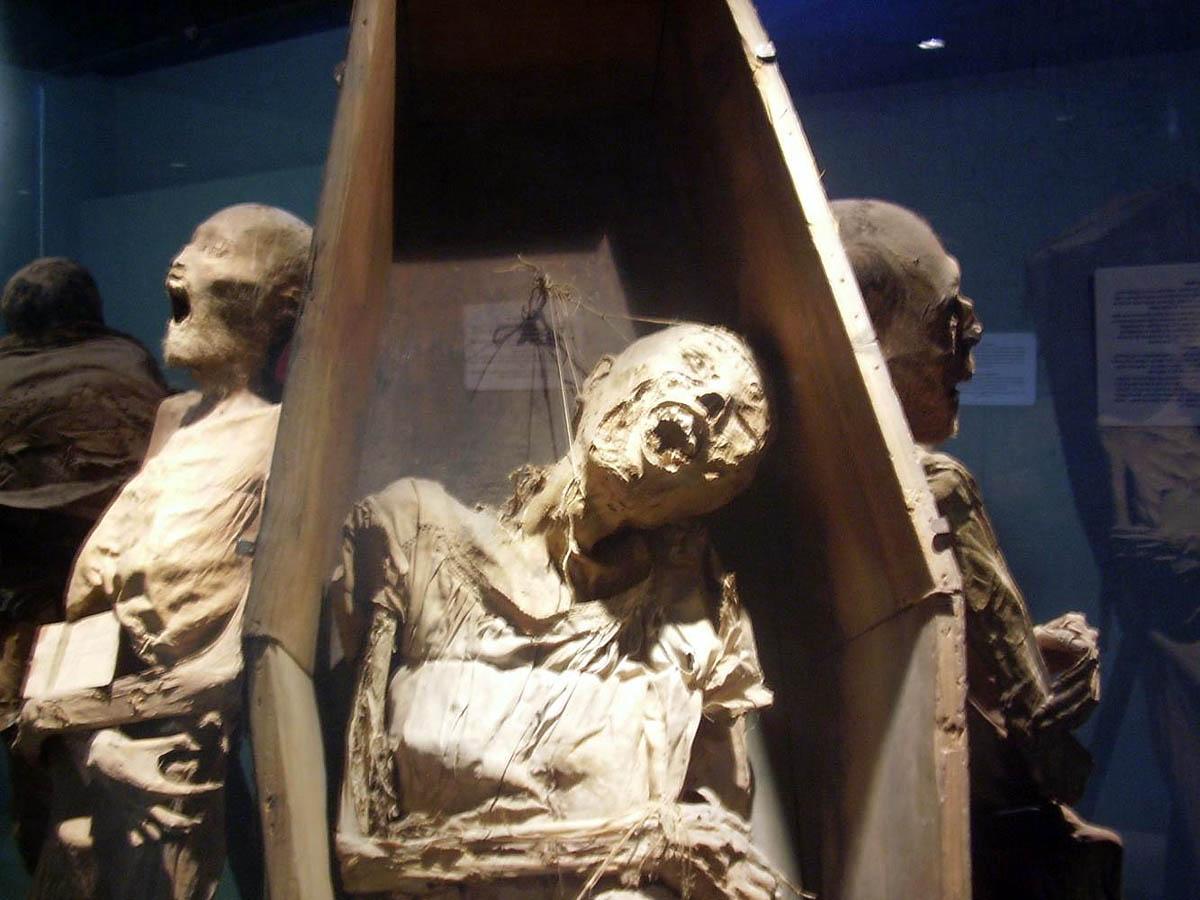 мумии в музее Мексики