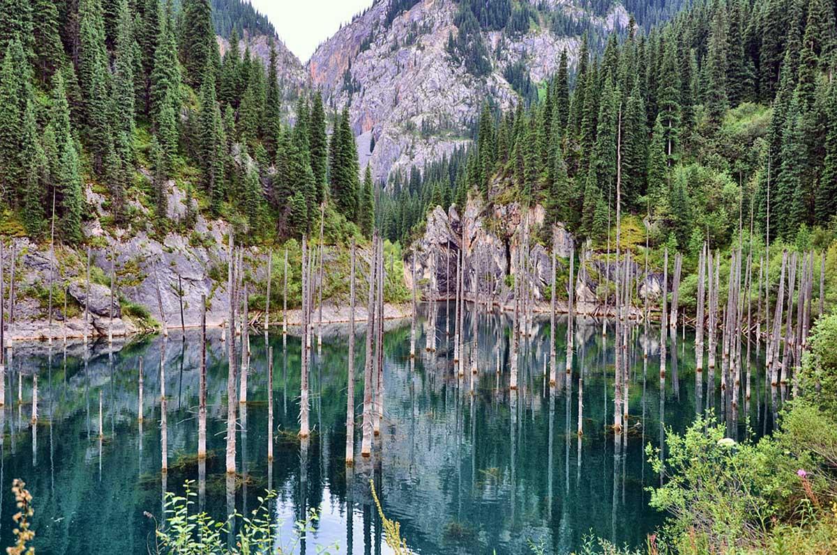 озеро Каинды, Райымбекский район, Алматинская область, Казахстан