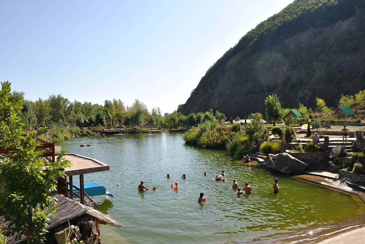 озеро под Черной горой, Виноградов