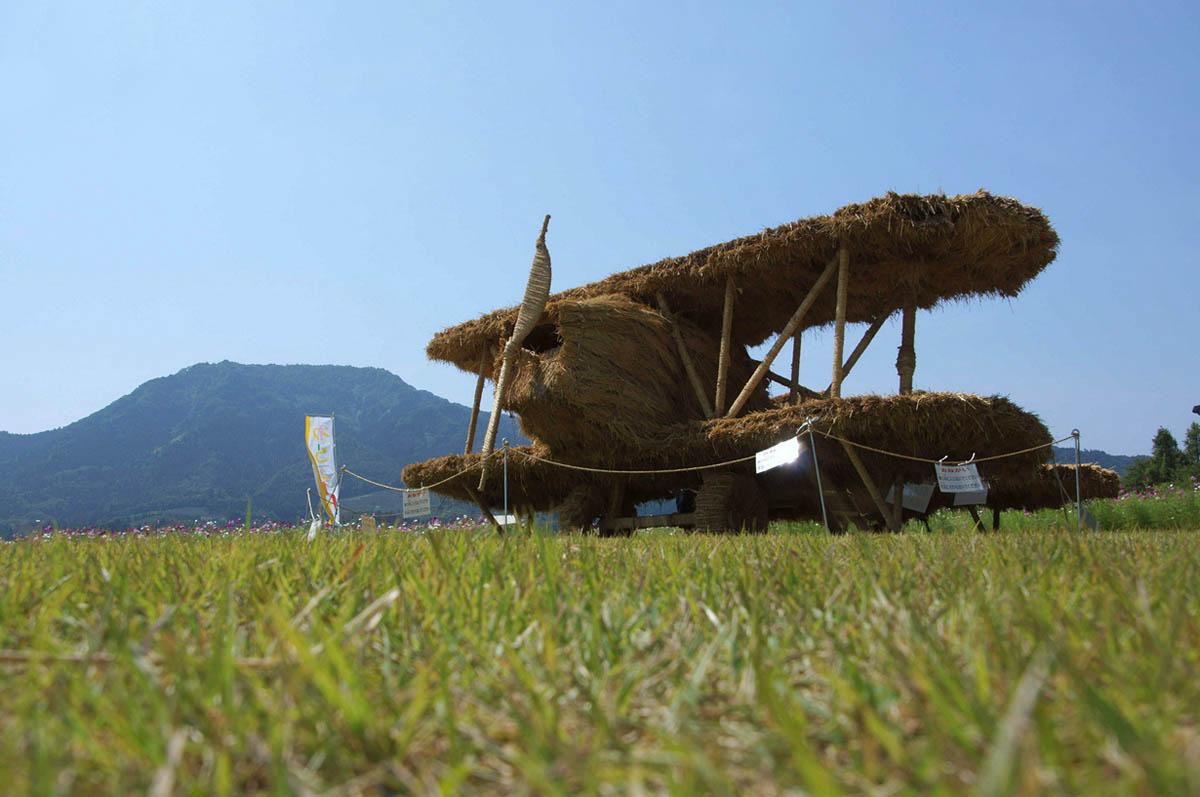 соломенные скульптуры в Японии