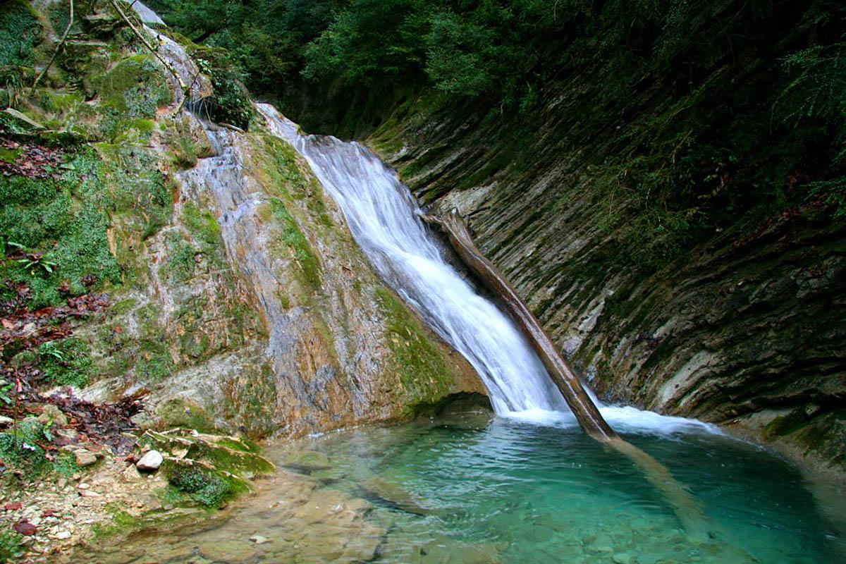 водопад Ласковый в ущелье Чудо-Красотка, Сочи