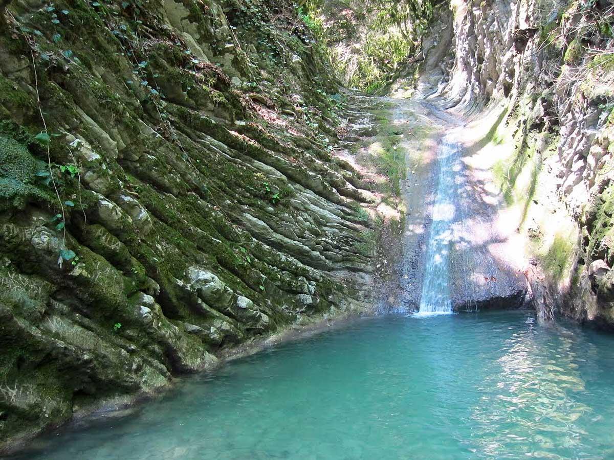 водопад Нежный в ущелье Чудо-Красотка, Сочи