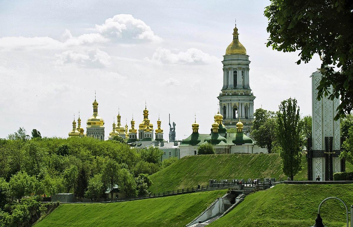 зеленые холмы Киева