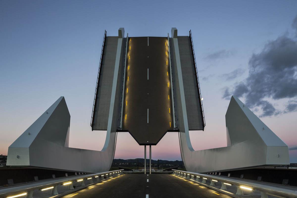 Pohe bridge, New Zealand