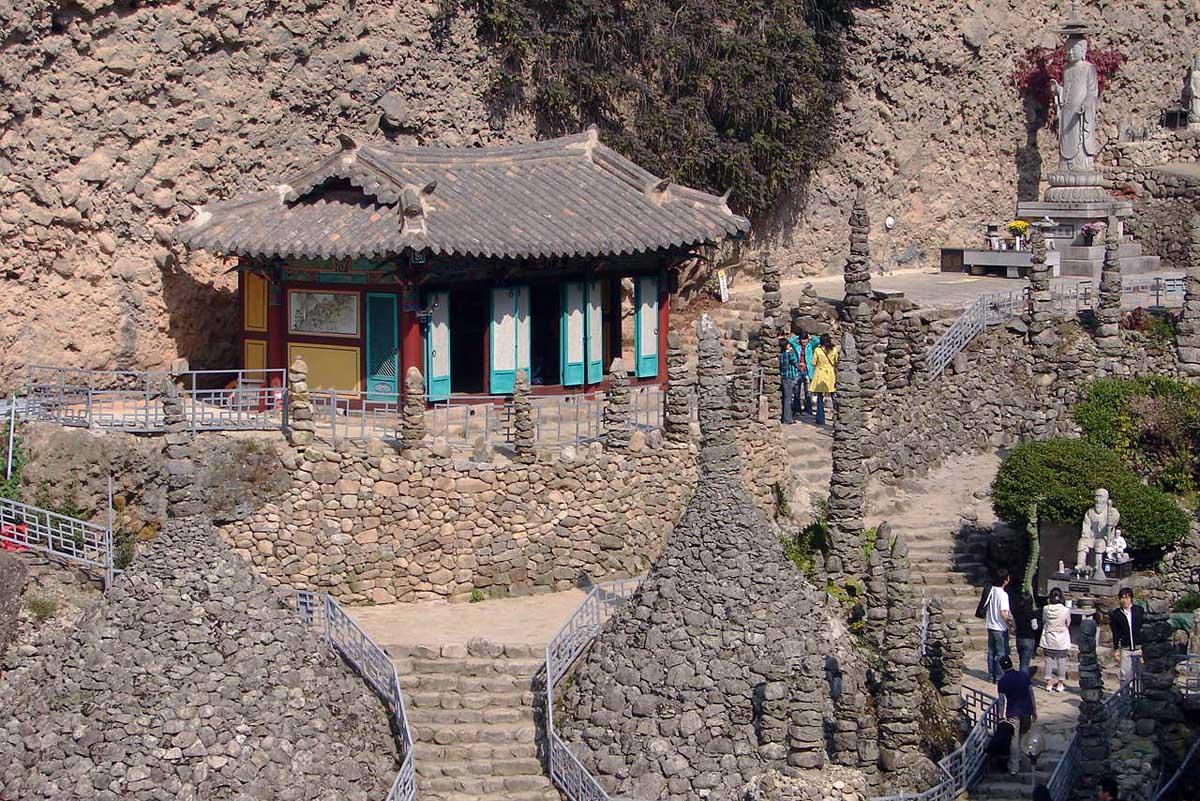 Тапса и Каменная Пагода, гора Майсан, Южная Корея