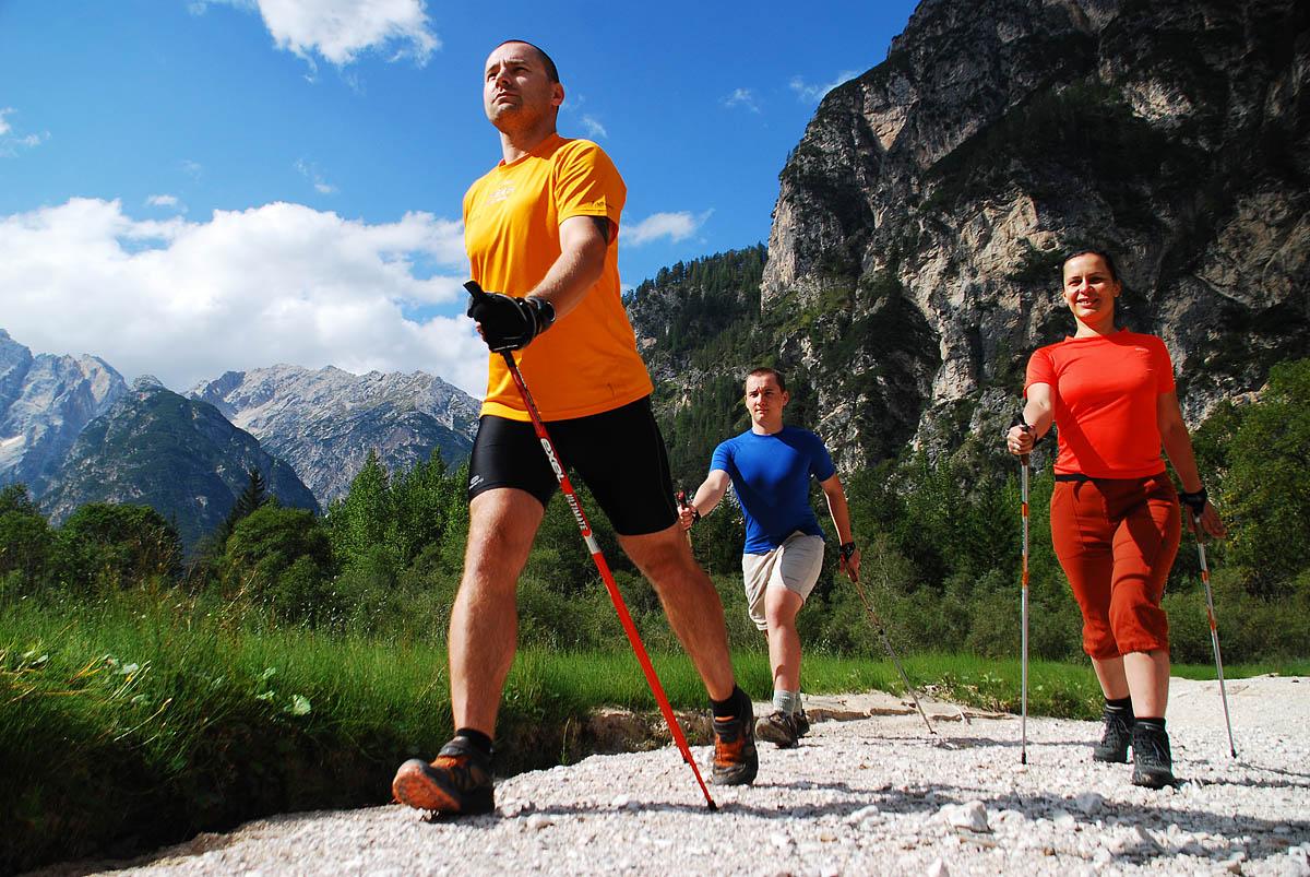 спортивная ходьба с палками